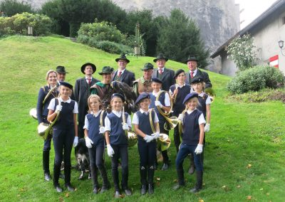 2016-09-jungwoelfe-falknerschau-hohenwerfen-gr