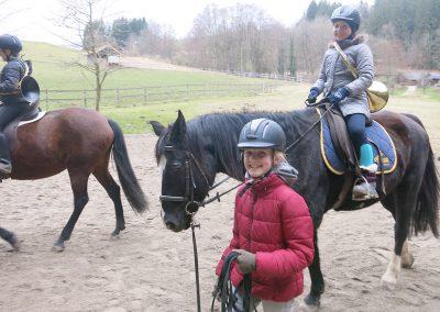 Bayerische-Jungwoelfe-Trompe zu Pferd-4