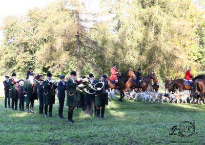2018-10-50-Die-Bayerischen-Jungwoelfe-Herrenchiemsee-Schleppjagd-Trompe-Foto-C-Lahr