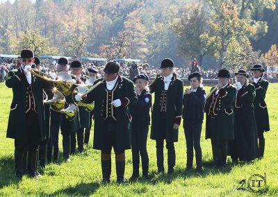 2018-10-85-Die-Bayerischen-Jungwoelfe-Herrenchiemsee-Schleppjagd-Trompe-Foto-C-Lahr