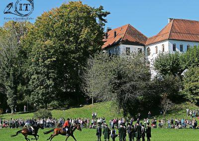 IMG_5925_Herrenchiemsee-Bayerische-Jungwoelfe-Jagdreiten-Initiative-Trompe